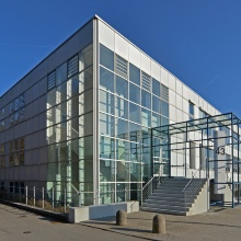 Auf dem Foto ist das Gebäude des IFSW abgebildet.
