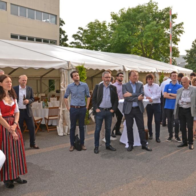 Aufmerksame Zuhörer bei der Abendveranstaltung am IFSW