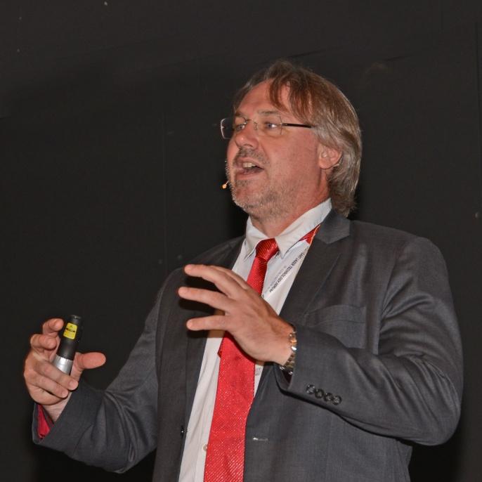 Vortrag von Dr. Simon Olschock